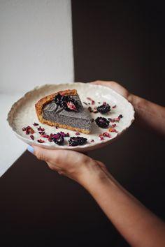 Všech nejoblíbenější koláč na světě je očividně makovej. Tenhle je navíc bez cukru a mouky! Paleo, Keto, Raw Food Recipes, Cheesecake, Goodies, Food And Drink, Low Carb, Gluten Free, Vegetarian