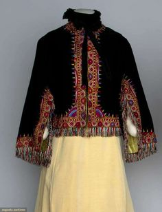 Augusta Auctions: embroidered wool dolman cape, 1880s  #antique #fashion #historic