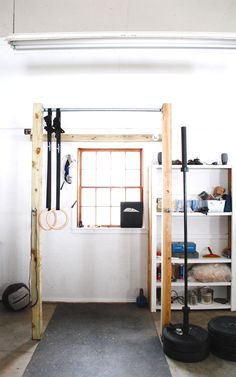 Style isn't everything, as a gym is a space to work out, but you can learn how to create one by checking out the best home gym set up ideas we are providing. A home gym is the perfect place for Little Luxury Water Coolers and Filters! Home Gym Set, Diy Home Gym, Best Home Gym, Cheap Home Gym, Rack Crossfit, Crossfit Home Gym, Home Gym Garage, Basement Gym, Diy Gym Equipment