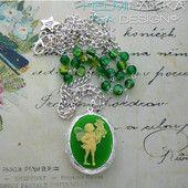 Vihreä keijumedaljonki 35€ #medaljonki #keiju #pillerirasia #statement
