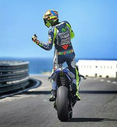 Thumbs up!  Valentino Rossi WINS at phillip island 2014!