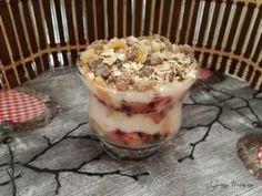 Műzlis zabkása | Gyöngy Harmony Stúdió Oatmeal, Pudding, Breakfast, Desserts, Food, The Oatmeal, Morning Coffee, Meal, Custard Pudding