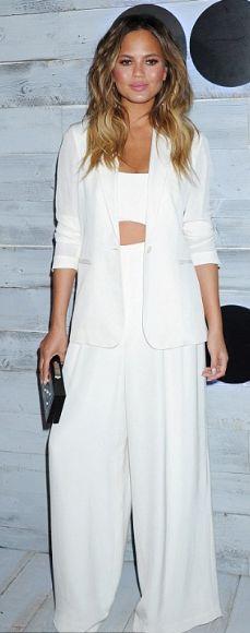 FASHION: Crop topy a bílé kalhoty jsou symbolem tohoto léta!   Marie Claire