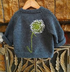 trendy baby diy stricken trendy baby diy stricken Knitting Pattern for 2 Row Repeat Sixty Years Sweater - Long-sleeved pullover knit in a 2 row repeat Broke. Easy Knitting Projects, Knitting For Kids, Knitting For Beginners, Free Knitting, Knitting Ideas, Fair Isle Knitting, Free Sewing, Knitting Needles, Baby Knitting Patterns