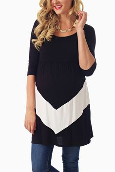 Black-White-Chevron-Matentiy-Tunic #maternity #fashion #cutematernityclothing #cutematernitytops #falloutfits #falltrends