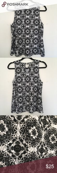 """🦋3 for $15🦋 Sz Medium Black and White Tank Dress it up or down Flattering Tank  Black and white knit 18"""" armpit to armpit  Length from shoulder down is 22"""" Has stretch I love this tank top so much! I just haven't worn it in a year so according to my new rule, I must Posh it! Nordstrom Tops Tank Tops"""