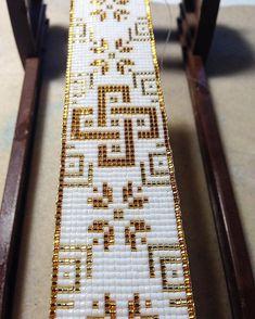 off loom beading techniques Loom Bracelet Patterns, Bead Loom Bracelets, Bead Loom Patterns, Jewelry Patterns, Beading Patterns, Beading Ideas, Bead Loom Designs, Beading Techniques, Loom Weaving