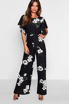 Buy Boohoo Floral Print Angel Sleeve Jumpsuit from the Next UK online shop Tween Fashion, Fashion Outfits, Woman Outfits, Designer Jumpsuits, Outfits Mujer, Business Casual Attire, Jumpsuits For Girls, Jumpsuit Outfit, Jumpsuit With Sleeves