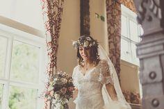 YolanCris | News | Stunning Vintage wedding style! Emma and David's big day