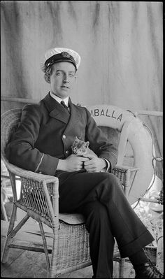Apprentice on SS UMBALLA with a kitten, by Australian National Maritime Museum Vintage Sailor, Vintage Cat, Cool Cat Toys, Anatole France, Maritime Museum, Fade To Black, Cat People, Passion, Photo Black