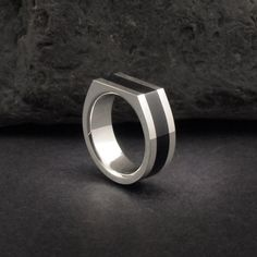 8ee0f048e74a Signet ring. Sterling silver and water buffalo horn. Anillo sello. Plata y  cuerno