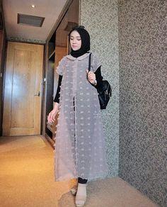 Dress Hijab Braidsmaid 62 Ideas For 2019 Modern Hijab Fashion, Modesty Fashion, Arab Fashion, Hijab Fashion Inspiration, Muslim Fashion, Fashion Dresses, Sporty Fashion, Mod Fashion, Fashion Women