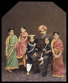 Chamarajendra Wadiyar X with his children