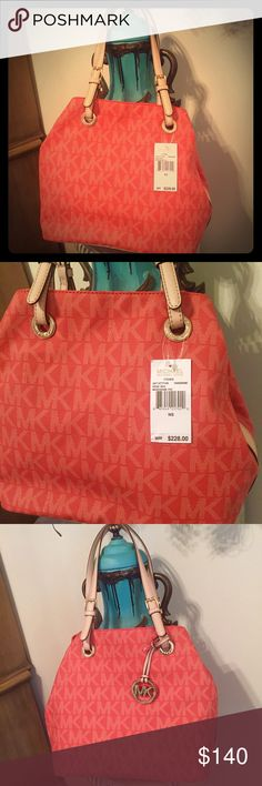 Authentic MICHAEL Kors Signature Tangerine Tote👜 Authentic MICHAEL Kors Signature Tangerine Tote👜!! Gorgeous Handbag! New with tags! Love the color!! Orange / Tangerine 🍊. Stunning with any outfit!! Michael Kors Bags Totes