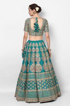 Sabyasachi Bridal Green Lehenga Choli Ideas For 2019 Sabyasachi Lehenga Bridal, Indian Bridal Lehenga, Sabyasachi Suits, Pakistani Suits, Pakistani Bridal, Saree, Dress Indian Style, Indian Dresses, Skirt