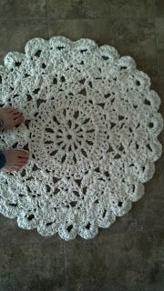 Flowers Creations: Crochet Doily Rug Tutorial
