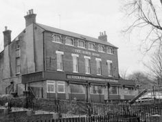 Robin Hood pub High Hill Ferry Clapton whatpub Family History, Robin, Past, Military, River, London, Photos, Past Tense, Pictures