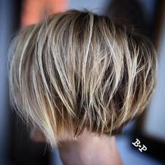 High Contrast Blonde Balayage Bob Razored Bronde Bob For Fine HairRazored Bronde Bob For Fine Hair Girls Short Haircuts, Choppy Bob Hairstyles, Bob Hairstyles For Fine Hair, Bob Haircuts, Natural Hairstyles, Bobs For Fine Hair, Layered Haircuts, Trendy Hairstyles, Hair Bobs