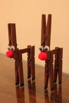 Renos de Navidad con pinzas de madera                                                                                                                                                                                 Más