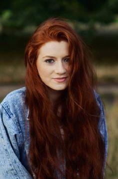 I like the deep rich coppery red auburn colours. Hair Color Auburn, Red Hair Color, Deep Auburn Hair, Hair Colors, Red Hair Brown Eyes, Dark Orange Hair, Ginger Hair Color, Ginger Hair Dyed, Natural Red Hair