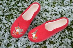 Felted women slippers_ house shoes_ wool slippers red EU by Juperi, $82.00