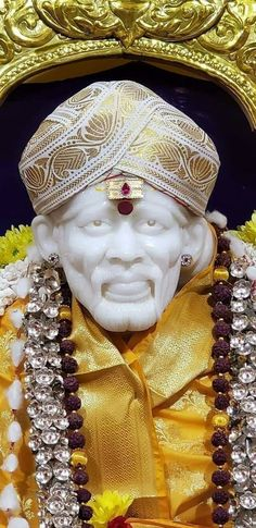 Shirdi Sai Baba Wallpapers, Sai Baba Photos, Save Our Earth, Om Sai Ram, Indian Gods, Iphone Wallpaper, Statue, Life, Iphone Wallpapers