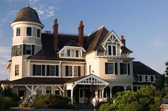 The Most Amazing Places We've Ever Been - Editors' Favorite Travel Destinations - ELLE | Castle Hill Inn |  Newport, RI