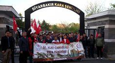 """Edirne, Kırklareli, Diyarbakır ve Tekirdağ'da, """"57. Alay'a Vefa Yürüyüşü"""" etkinliği düzenlendi.Selimiye Camisi'nde bir araya gelen vatandaşlar sabah namazı kıldı. Namazın ardından vatandaşlara çorba ikram edildi, Türk bayrağı dağıtıldı.18 Mart Çanakkale Zaferi'nin 102.   #Arnavutluk #Balkan #Balkan Haberler #Balkan Rehberim #balkanlar #Haber #Haberler #Makedonya #BenimMutlulukFormülüm #57nciAlayaVefa #Eyİnsanoğlu #25NisanDünyaKaynan"""