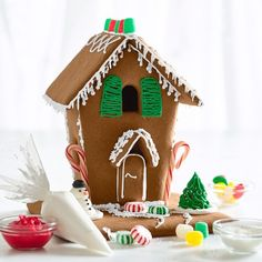 Williams-Sonoma Gingerbread House Kit #williamssonoma