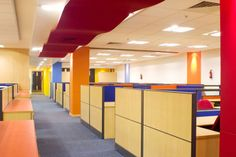 A comprehensive range of Workstation & Partition for quality conscious Indian and overseas market to adapt to the growing business needs. Office Cubicle, Home Office Desks, Commercial Office Furniture, Traditional Office, Office Environment, Office Fashion, Open Plan, Growing Business, It's Amazing