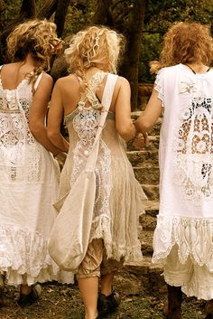 Vintage Clothes Magnolia Pearl, the only clothing I'd love to wear Tis is a delicious site. The clothes are just beautiful and flowing. Boho Gypsy, Gypsy Style, Bohemian Style, Hippie Style, Ropa Shabby Chic, Boho Chic, Hippie Chic, Mode Hippie, Mode Boho