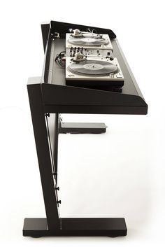 Home Music, Dj Music, Technics Sl 1200, Dj Stand, Dj Table, Music Bedroom, Home Office Layouts, Vinyl Store, Music Studio Room
