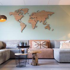 Geen saai schilderij meer aan de muur maar een houten wereldkaart voor de echte wereldman. Een uniek stuk kunst aan je muur. Waanzinnig cadeau idee!