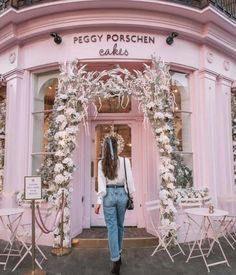 From Palm Springs to NYC, these girls trip vacation ideas will make your decision easy. Check out the 23 best destinations for a girlfriends getaway. Picture Wall, Photo Wall, London Dreams, Things To Do In London, Life In London, London Girls, London Places, Travel Aesthetic, London Travel