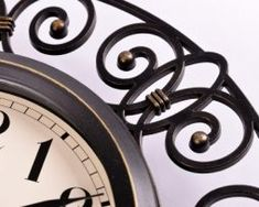 Retro-dekoračné-nástenné-hodiny.-1 Clock, Retro, Watch, Clocks, Retro Illustration
