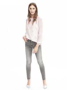 Subtle pink print and flare sleeves! #fleurdille #fall2016fashion #bananrepublic