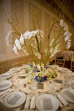 15 Stunning Orchid Themed Wedding Centerpieces - MODwedding