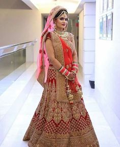 Get yourself dressed up with the latest lehenga designs online. Explore the collection that HappyShappy have. Select your favourite from the wide range of lehenga designs Indian Bridal Photos, Indian Bridal Outfits, Indian Bridal Lehenga, Indian Bridal Fashion, Indian Bridal Wear, Bridal Lehnga Red, Wedding Lehnga, Indian Wedding Bride, Muslim Wedding Dresses