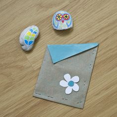 Painted stones + gift bag :) Painted Stones, Stone Painting, Coasters, Crafty, Bag, Gifts, Accessories, Painted Rocks, Purse