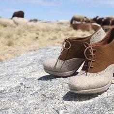 """Já diz a célebre frase """"Não deixe para amanhã o par de sapatos que pode comprar hoje!"""" Últimos dias de descontos... Acaba já amanhã! #realis_shoes #shoes #burel #descontos #sapatooxford #oxfordshoe #lastdaysofdiscounts Baby Shoes, Instagram, Clothes, Fashion, Oxford Shoe, Shoes, Frases, Outfit, Clothing"""
