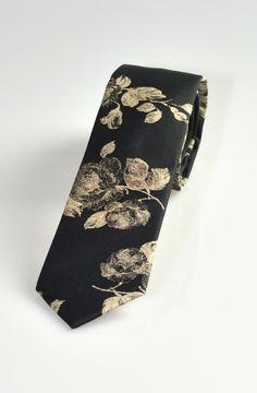Rose Skinny Tie in Black and Beige – TAG TWENTY TWO