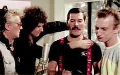 """i'm happy at home — """"We're the bitchiest band on earth, darling. We're... Queen Band, Save The Queen, Killer Queen, Queen Freddie Mercury, Music Bands, Great Bands, Rock Bands, Daily Queen, Rock And Roll"""