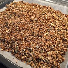 Granola, How To Dry Basil, Food Inspiration, Lchf, Smoothies, Herbs, Treats, Chocolate, Breakfast