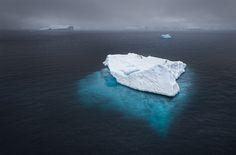 värit: jäävuori syaani