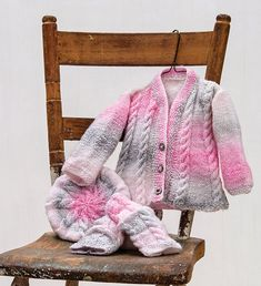 Sweet combination of cables and colour in these legwarmers, beret & cardi. Shown in Strawberry Nougat or choose any Sugar Baby Stripes colour. Knitting For Kids, Free Knitting, Baby Knitting, Knitting Ideas, Knit Or Crochet, Baby Blanket Crochet, Crochet Baby, Top Pattern, Free Pattern