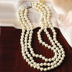 Jackie Kennedy Triple-Strand Faux Pearl Necklace / Apparently most of Jackie Kennedy's pearls were faux. In that spirit the Smithsonian Institute made this strands of pearl necklace. Jackie Kennedy, Jacqueline Kennedy Jewelry, Faux Pearl Necklace, Pearl Jewelry, Beaded Necklace, Necklaces, Jewlery, Vintage Pearls, Cultured Pearls