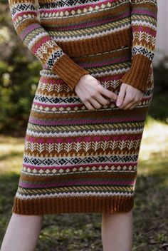 When you're finished with your Pohjolan kutsu sweater, just cast on for the sequel. Knitted top down, the skirt and sweater together make an amazing autumn outfit. 4 Ply Yarn, Wool Yarn, Knitting Kits, Knitting Patterns, Knitting Ideas, Stockinette, Knit Skirt, Pulls, Knit Crochet