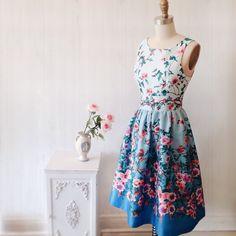 Jaelynn www.1861.ca #boutique1861 #flowerprint #roses #summerdress #lookbook #montreal #fashion