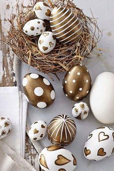 Easter Egg Crafts, Easter Bunny, Easter Eggs, Easter Table, Easter Party, Easter Egg Designs, Diy Easter Decorations, Egg Art, Egg Decorating