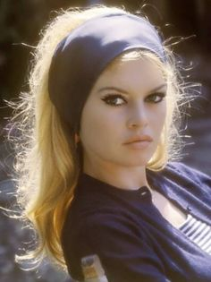 Brigitte Bardot wearing navy blue headband // icon
